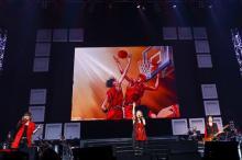 【アニサマ2日目】大黒摩季『スラダン』ED「あなただけ見つめてる」熱唱 GRANRODEOとコラボ