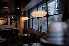 パリッとお肉の風味がたまらない。香港に思いを馳せちゃう「餃子そして焼味 巣王」が大阪にオープンしました