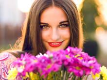 美人じゃなくても!なぜか【愛される女性】の特徴とは?
