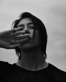 山下智久、自身初の写真集『Circle』発売決定「真っ直ぐに挑みました」