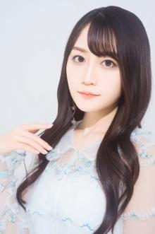小倉唯、ツインテール姿で「クリオネみたいな衣装」に反響「かわいい!」「天使!」