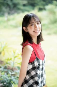 日向坂46金村美玖、見る人を元気にする最強スマイル! 『マガジン』初ソロ表紙
