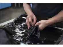「Re⇆STOCK(リストック)」が京都紋付と協業し衣類の染め直しサービスを展開