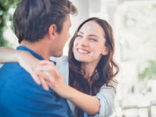 ずっと一緒にいたい…男性が「安心する」女性の言動