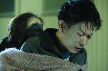 """佐藤健&阿部寛『護られなかった者たちへ』それぞれの""""男泣き""""シーン写真公開"""