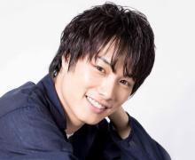 鈴木伸之、金髪×眉上前髪イメチェン「前髪なにかわいい」「まさかの金髪やばい」
