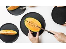 電子レンジや食洗機にも対応!まな板になるお皿『CHOPLATE』に新たなサイズが登場