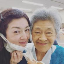 高岡早紀「私の先生です」 『おかえりモネ』で共演の大方斐紗子との2ショット公開