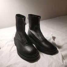 【ZARA】時代に左右されないブーツが欲しい。コーデを格上げするフロントジッパー×ゴツくないソールに着目