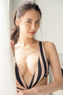 奈月セナ、最新グラビアで見せる圧巻スタイル NHKドラマ出演で話題に