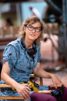 """映画で""""集団虐殺事件""""に取り組んだ監督たちが対談 78歳巨匠が46歳女性監督を絶賛"""