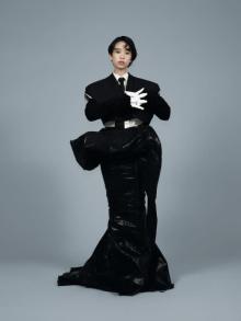 森川葵、強烈なインパクトの黒ファッション モダンゴシックをクールに着こなす
