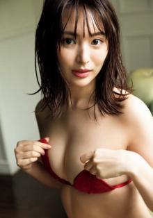 """""""謎の美女""""中村美香子、大胆なほどに艶やかな姿を披露 中国でも活動するグローバル美女"""