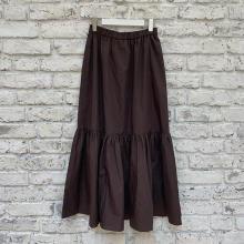 【GUレポ】この秋買い足したいボトムスをついに見つけた。「ティアードロングスカート」で大人カジュアルに