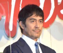 阿部寛、コロナ禍で7日連続やきとり 佐藤健も「ひもじい思いを…」