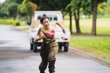 福原遥に数々の不運…『アンラッキーガール』体当たり演技に反響 「泥だらけで熱演」