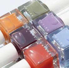 ガラスのように艶めく指先に。韓国発コスメティックブランド「EUYIRA」のネイルカラー3色がついに日本上陸