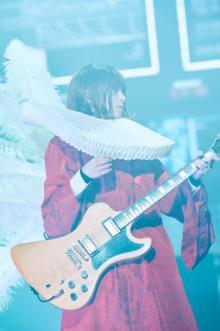 椎名林檎の一夜限定バンド、『Mステ』で「群青日和」熱演 Vo.アイナ・ジ・エンド「5回ほど聞き直した」