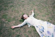 伊藤沙莉、横浜デートを再現『ボクたちはみんな大人になれなかった』スピンオフフォトブック発売