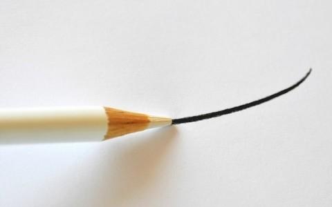 さっと一筆書き♪一本線ネイルはセルフ派にもおすすめ!簡単なのにおしゃれなデザインネイル♡