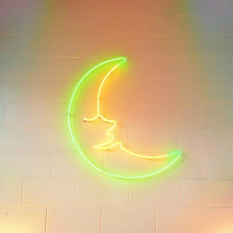 恋の夏♡月のキレイな季節にキュンっ*月ネイルデザインのきらきらデザイン