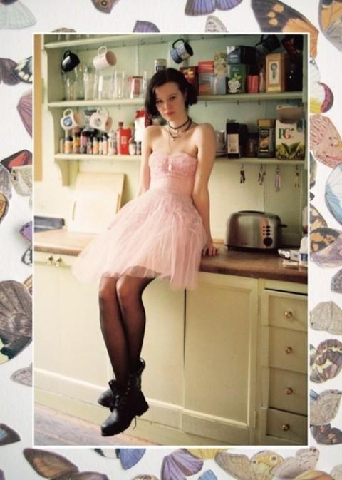 ちょっぴり色っぽい ♡ オトナかわいいの定番デザイン ▷ パールネイルデザインまとめ