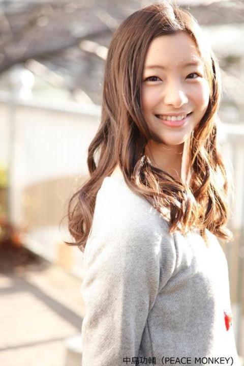 モデル部門ネイルクイーン受賞♡足立梨花ちゃんのシンプルネイルが知りたいっ!