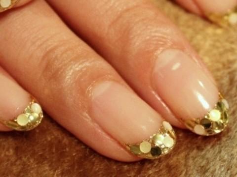 きらきらゴールドフレンチネイル|ネイルのレシピ〜渋谷・大人の女性のためのネイルサロン「マニコード」のブログ