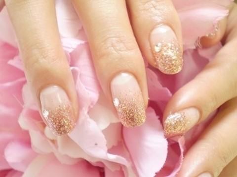 ネイルデザイン〜ラインストーンのピンクゴールド ジェルネイル〜 | 熊本市ネイルサロンモモラ    デザインサンプル
