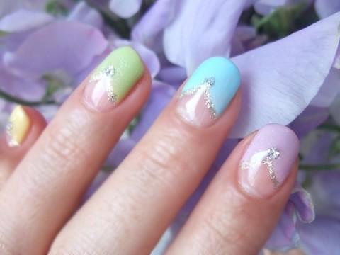 4月ネイル 5色パステルカラーのV字フレンチ - Blog『美のススメ』