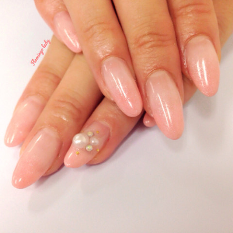 Pink gradation nails | We Heart It