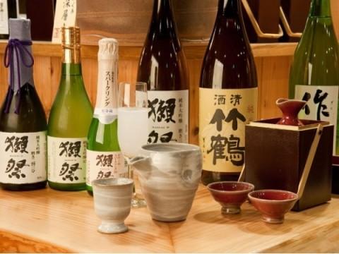 入手困難なあの銘柄まで?!神楽坂で、プレミアムな地酒50種以上が2800円で飲み放題!