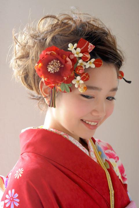 髪飾り 成人式 振袖 花 和柄 赤  和風 :kaz875z:きもの館 創美苑 - 通販 - Yahoo!ショッピング