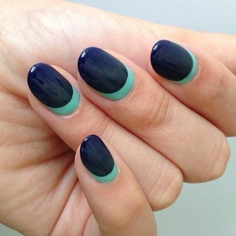 Gorgeous Navy Ombre Nails - Nails | Bellashoot