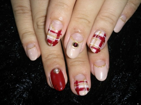 nails SOLUNA:ボルドーのチェック柄 ☆∀☆)
