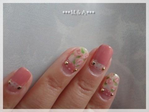 淡いピンクで作ると、柔らかく優しい雰囲気♡