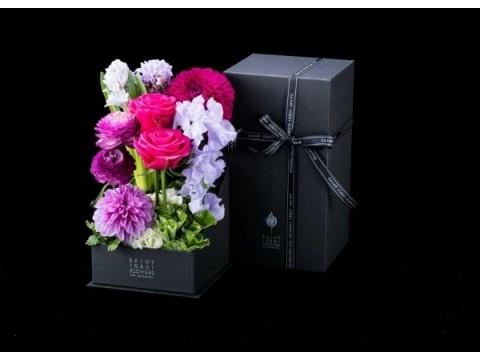 ホワイトデーは花で思いを伝えよう 大人のセクシーさと可愛らしさをイメージした花で、大切な人との関係をさらに強めて