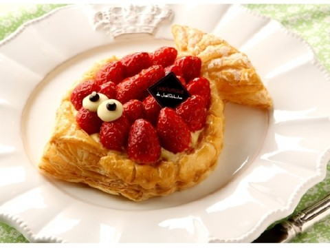 エイプリールフールはフランス風に、苺たっぷりキュートな魚形のパイで楽しもう!