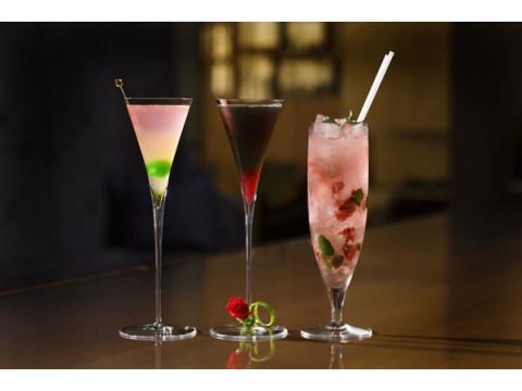 新しい門出を色鮮やかに演出!自分時間を楽しむ大人のためのバー「Bar S」の春色カクテルで大人女子を満喫
