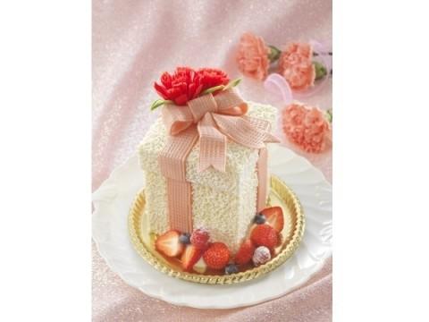 箱を開けたら思わず感激!! 母の日に、ひと味違うプレゼントボックス型のケーキをチョイスしてみない?