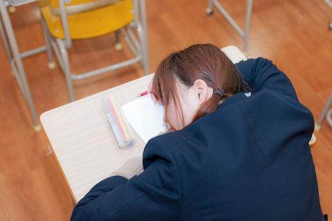 社会人になっても使える!?授業中に眠くなったときの対処法