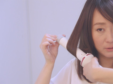 毛先4秒ワンカール。簡単すぎるヘアアイロンの使い方【動画】