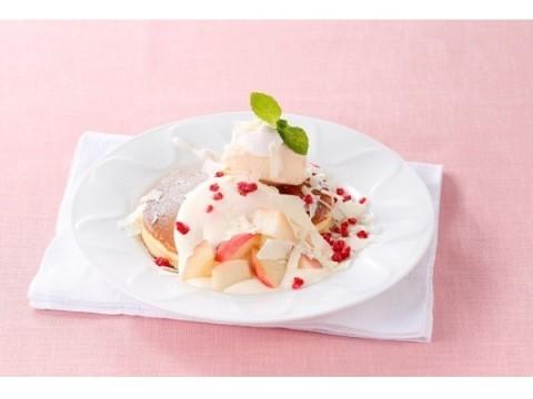 フレッシュな桃を皮ごとカット♡ みずみずしい果肉の香りが口いっぱいに広がるデニーズ最旬デザート5品をチェック!