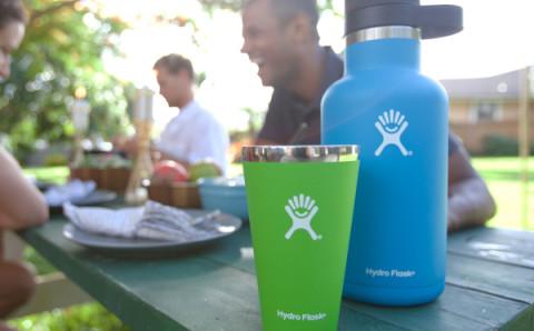 24時間保冷機能付きのビール専用水筒がグランピングやピクニックに最適!