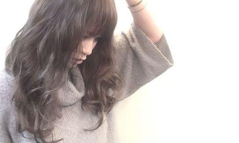 暗髪で艶と透明感を手に入れる!秋冬はダークカラーが可愛い♡