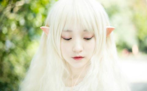 一瞬で可憐な妖精さんに変身できちゃう♡とんがり耳のついたイヤホンがキュート