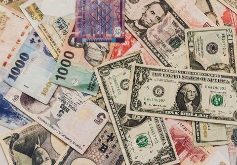 JKに人気のお財布ブランドって?お財布を買うならこれがいい!