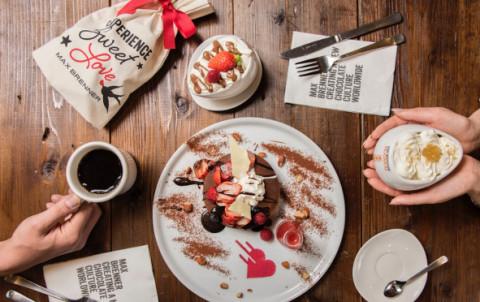 パンケーキからチョコがとろ~り溶け出す♡MAX BRENNERのバレンタイン限定メニューがいよいよ来週発売!