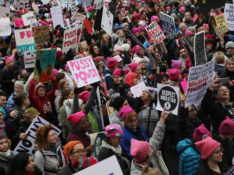 ピンクの猫耳目立ってた。反トランプの #WomansMarch
