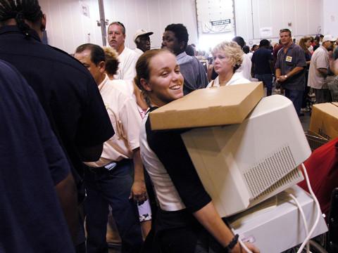 服は新品がいい。でも、家具はアンティークマーケットで見つける。サンフランシスコ女子のインテリア事情